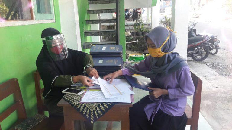 Pengambilan Raport, MTs Ma'arif Tegalrandu Berlakukan Protokol Covid-19
